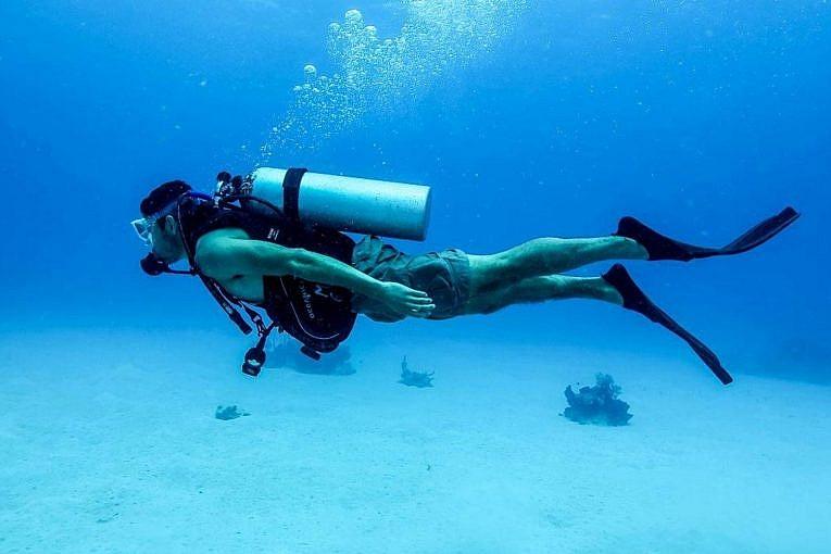 ból podczas nurkowania